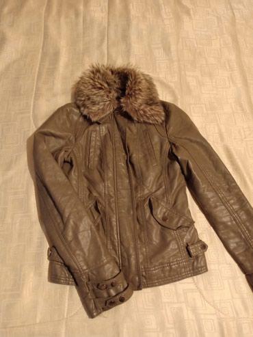 жилетка bershka в Кыргызстан: Куртка женская от Bershka, размер 42-44,ceрый цвет,б/у,состояние