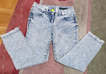 Pantalone uz telo - Srbija: Beneton odlicne farmerke i boja, svetao dzins meliran. Skroz uske