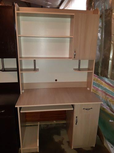 Продаю  стол компьютерный доставка  по городу    в Лебединовка