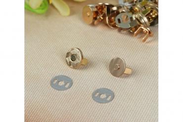Продаю новые магнитные застёжки. Золото и серебро. Есть 2 размера. 1,4