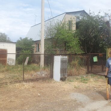 serviz na 8 person в Кыргызстан: Продам Дом 260 кв. м, 8 комнат