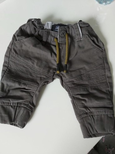 Pantalone do ispokolena - Srbija: Bebi pantalone do 5 meseci