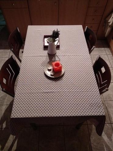 Τραπέζι με 4 καρέκλες, σε πολύ καλή σε Kamatero