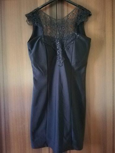 Crna haljina sa detaljima cipke, i koricama, otvorena do sredine ledja - Lajkovac