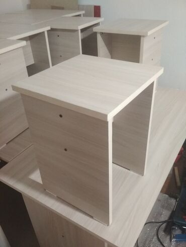 Мебель - Кызыл-Кия: Стол+ 4 стула,стол обеденный невысокий,+ также делаем на заказ