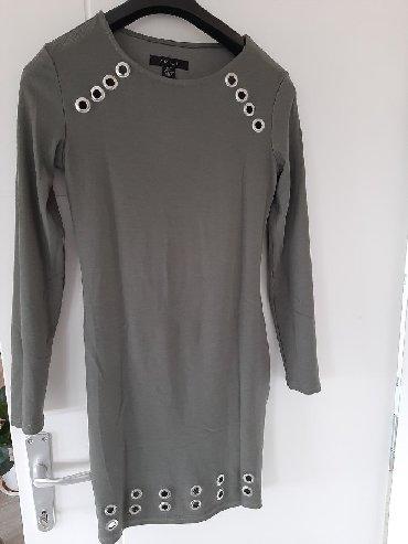 Haljine - Sremska Kamenica: Divna haljina,jednom samo obučena na 3 sata,prati liniju tela i