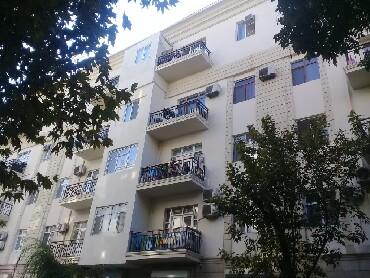 Bakı şəhərində Nəsimi rayonu, Nizami küçəsi, Aerokassanın yaxınlığında