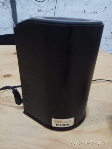D-Link DIR-300A. Красивый и стильный Wi-fi Роутер. цена 1500 в Бишкек