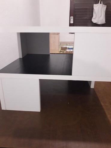 Klub sto , prelepa crno-bela kombinacija dimenzije 45x40 i visina 35 - Ruma