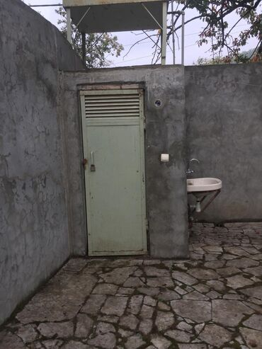 ev almaq 2 otaqlı - Azərbaycan: Satılır Ev 80 kv. m, 4 otaqlı