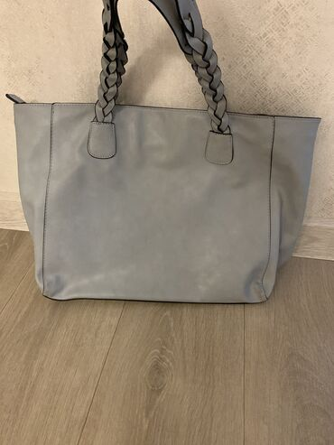 сумка в Кыргызстан: Продаю сумку, вместительная, состояние идеальное