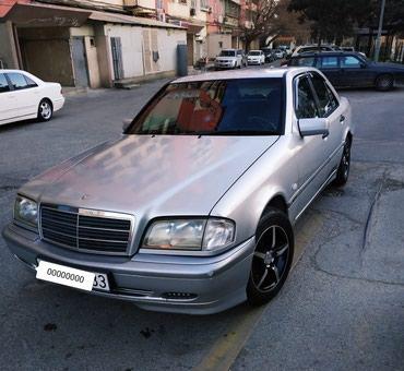 Bakı şəhərində Mercedes-Benz 1999