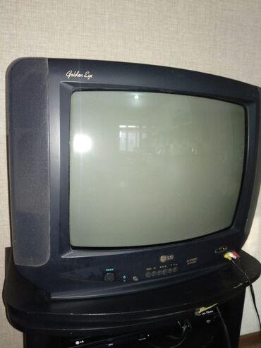 телевизор lg чёрный в Кыргызстан: Телевизор в отличном состоянии LG с подставкой цена 6500сом