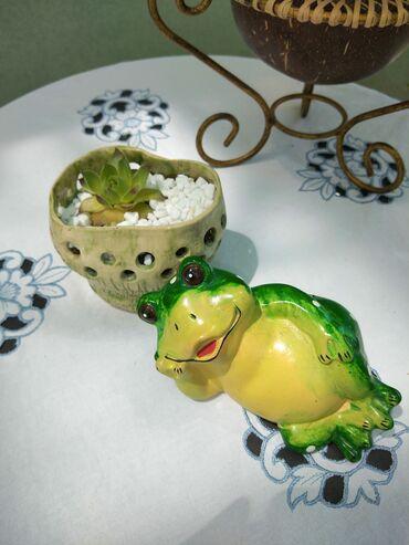 Figurine | Srbija: Žaba, dekor za cvece. Oba za 300din