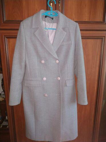 женские-пальто в Кыргызстан: Продам пальто, в отличном качестве. Размер ML. Торг уместен