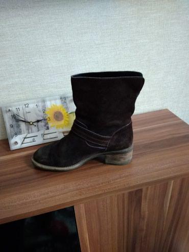 Продаю замшевые ботинки Деми, размер  37-38,были привезены из Америки в Бишкек