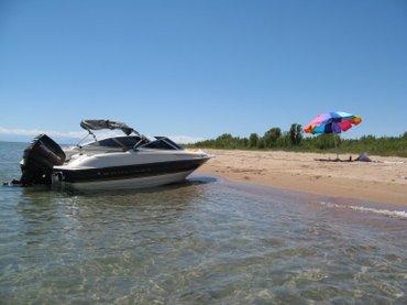 Водный транспорт - Лебединовка: Катер Байлайнер 1998 г. вып. юбилейная модельиз США. 90 л. с по