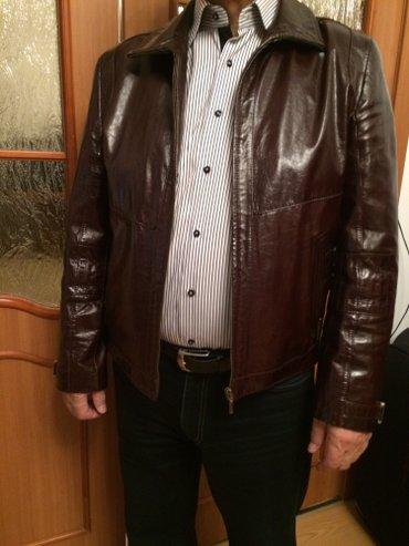 Стильная лакированная  кожаная  куртка, размер 50-52 , состояние новое в Бишкек