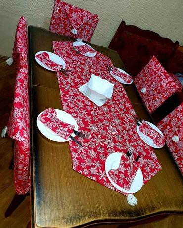 Vreca za spavanje - Crvenka: Set nadstolnjak + cizmice + navlake za stolice za 4 osobe Cena je