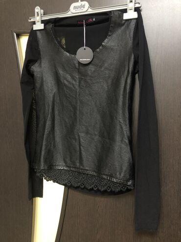 Блузка новая, брала в Италии размер s-m( до 42 размера), цвет чёр