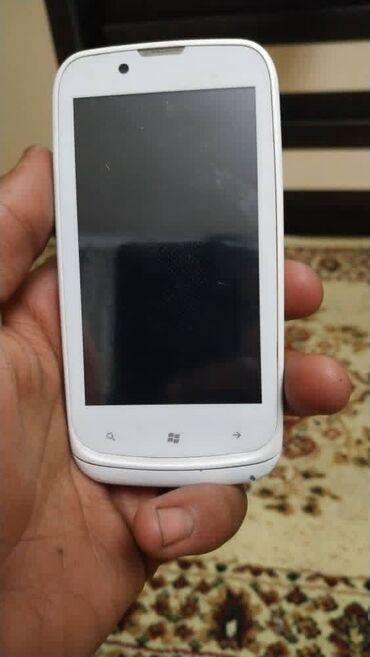 Срочно продаю сенсорную Nokia на 32ГБ Нокиа в отличном состояния есть