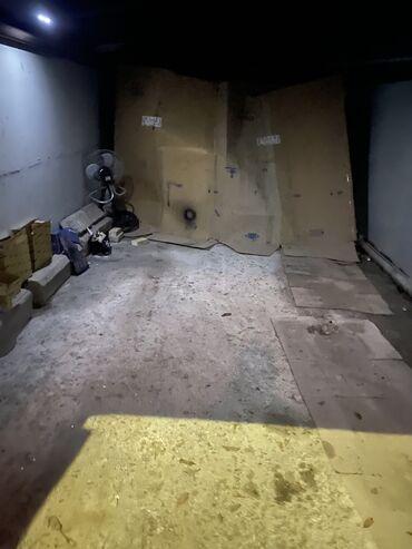 сдам гараж в Азербайджан: Qaraj satilir 6500 elverisli yerdedi mehelenin icinde metroya