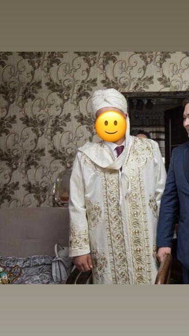 Свадебные платья и аксессуары - Кыргызстан: Продаю  тон и головной убор!  В отличном состоянии, одевали один раз