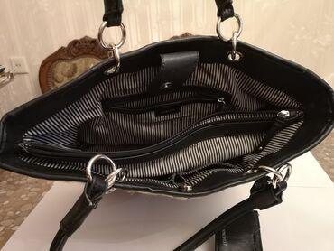 yarasa qadın koftaları - Azərbaycan: Nine West qadın çantası Uzunluğu - 42 cmHündürlüyü - 30 cmEndirim