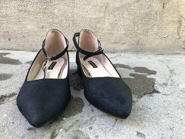 суточный квартира кызыл кия in Кыргызстан   АВТОЗАПЧАСТИ: Женская обувь. Размер : 37 Качество топ !!! Носили 2-3 раза