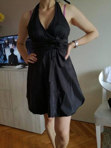 Haljina nosena samo jednom prilikom dobijena iz Rumunije , odgovara - Nis