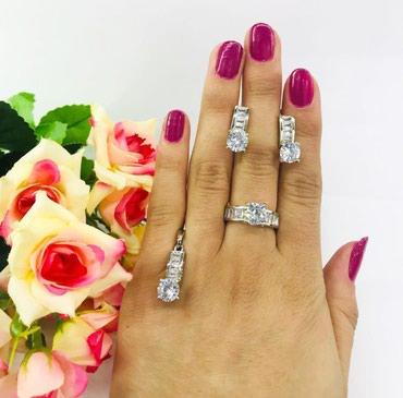 украшение шампанского для свадьбы в Кыргызстан: Набор под серебро,горным хрусталем украшен