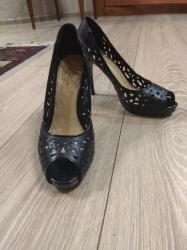 semejnoe postelnoe bele s dvumja в Кыргызстан: Туфли Polann в отличном состоянии,39 размер, каблук 10 см,500 сом