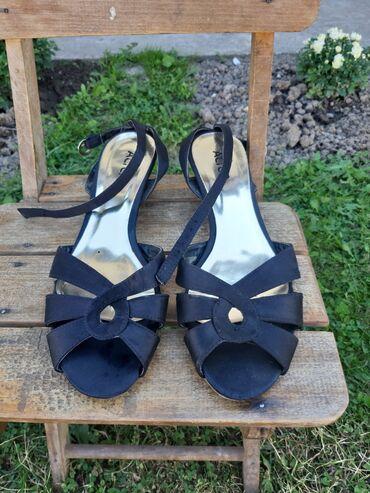 Polovna obuća Alter sandalice na nisku stiklu,par puta nošene br.40