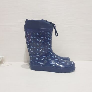 Dečija odeća i obuća - Trstenik: Decije gumene cizme,nove,broj 35,lagane,ne propustaju vodu!
