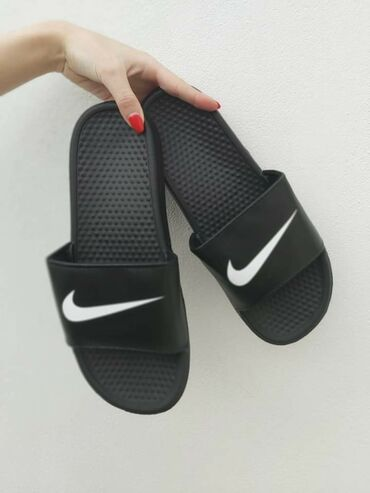 Muške Sandale i Japanke | Srbija: Crne Nike papuceBrojevi od 36 do 46 Kalupi su za broj manji, zamenu