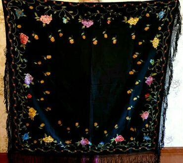 Продаю новую эксклюзивную грузинскую шерстяную шаль. Ручная вышивка