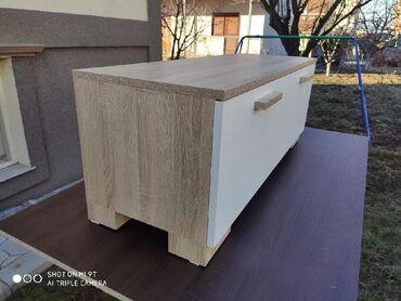 Nameštaj - Batajnica: TV komoda je napravljena od univera I masinski je kantovana.Dimenzije