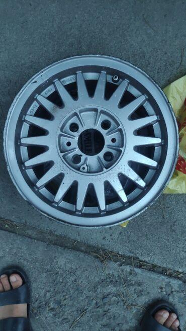 Автозапчасти и аксессуары - Беловодское: Продаю размер R13 спицовых 4 штук, казанов 2 штуки не катаные не