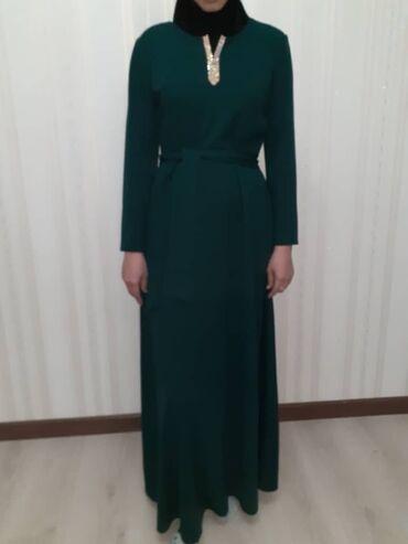Зелёное платье размер 44-46