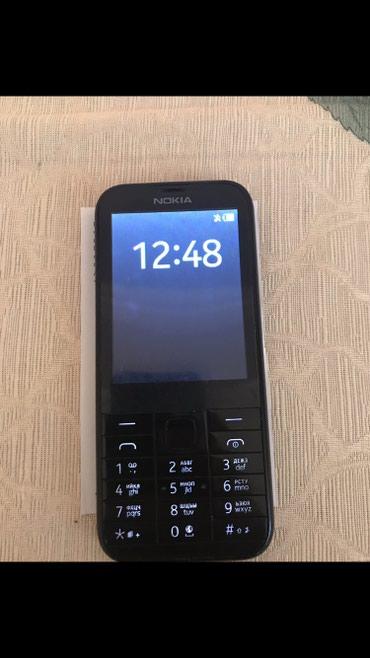 Bakı şəhərində Nokia 225 dual sim her weyi var karobka adapter nauwnik istifade