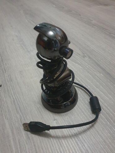 веб камера б у в Кыргызстан: Веб камера. работает отлично . Качество изображения