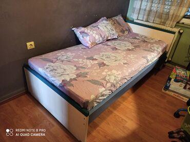 Παιδικό δωμάτιο SATO που αποτελείται από μονό κρεβάτι με στρώμα, και