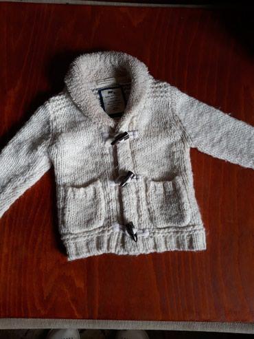 Zara dzempercic bele boje,topao sa krznom oko vrata, velicina 82,od 12 - Subotica