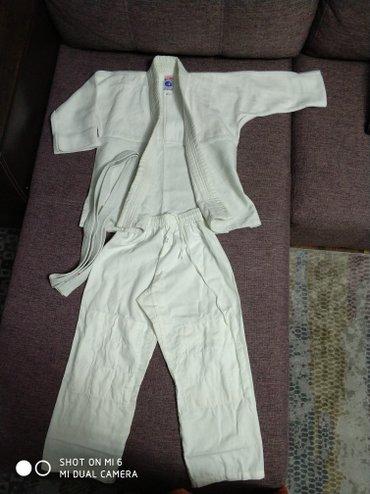 Спортивная форма в Лебединовка: Новое кимоно, рост 120. ребенок одел на 15 минут на сцену. размер