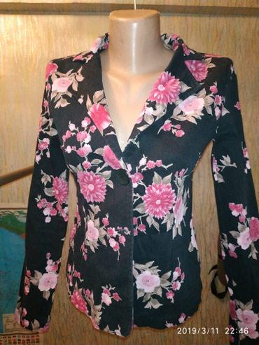 женские пиджаки и жакеты в Кыргызстан: Джинсовый пиджак, блейзер, жакет. Размер 42. Цена 300 сом