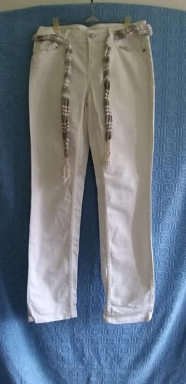 ESPIRIT pantalone veličina 28/32 boja bela dužina 100cm dubina 23cm - Crvenka