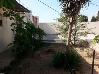 Bakı şəhərində Merdekanda bag evı satilir 8 sot deniz yolunda tras kenarinda yerlesir