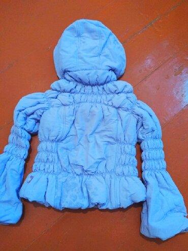 Детский мир - Кызыл-Кия: Куртка короткая (Весна/Осень) на девочку в отличном состоянии. Цвет