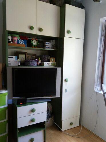 Decije sobe - Srbija: Regal manji za deciju sobu. Moze i za predsoblje