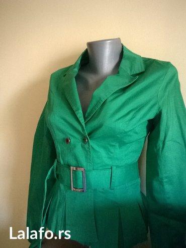 Kratki, elegantni,zeleni strukirani sako.. Velicina s - Nis